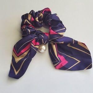 Accessories - Vintage 90's Silk Scrunchie
